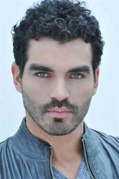 19 hot curly hairstyles for men - Page 2