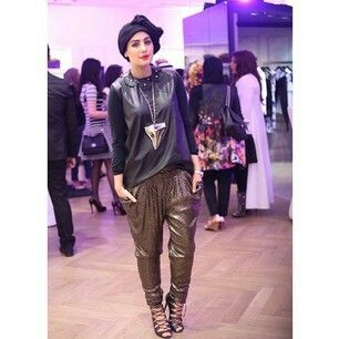 Ascia_AKF At the #GivenchyKuwait event in 360. Such a huge Givenchy fan! Pants: Zara Shoes: Schutz Shirt: Zara Necklace: Givenchy