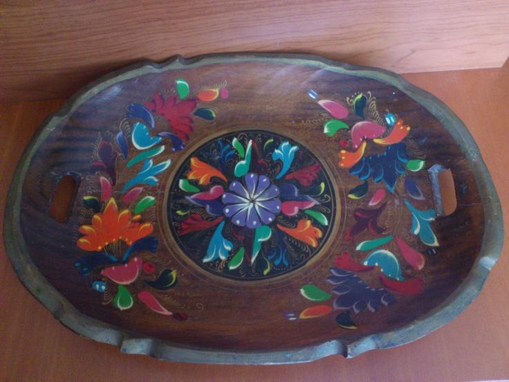 Antigua bandeja pintada a mano