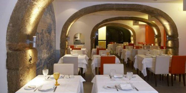 restaurante-lisboa-a-noite-1.png 800×400 pixels
