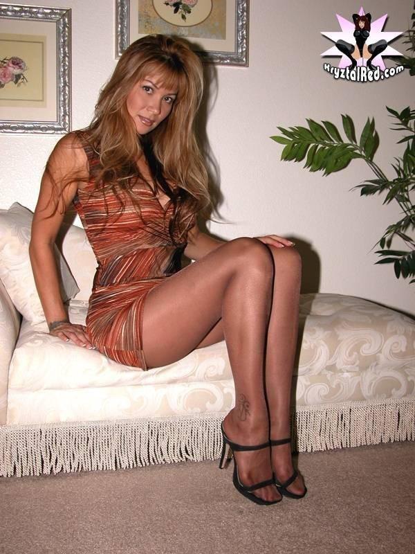 hot-moms-naked-in-a-short-skirt