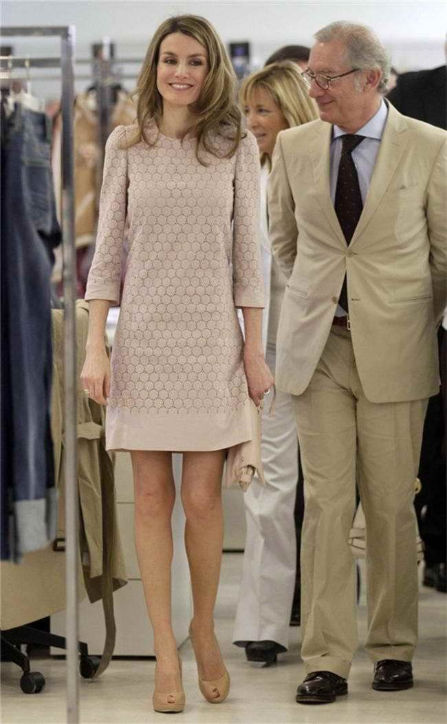 Princess Letizia Ortiz in Mango