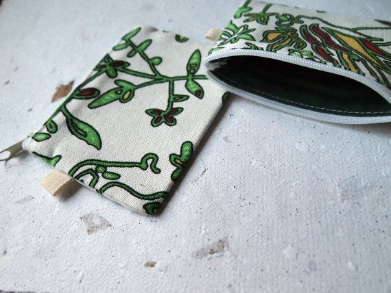Coin purse. Small change purse. Zipped. White by IvelleTheHappyCow, €4.00