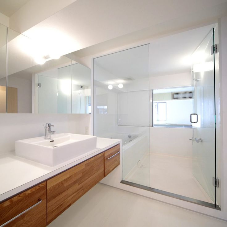 A Modern Minimalist Bathroom Can Be Presented Into Your Home By Applying  The Appropriate Color.