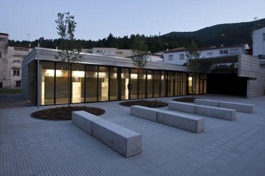 Healthcare Centre in Amer / Pm, Mt, #piso concreto