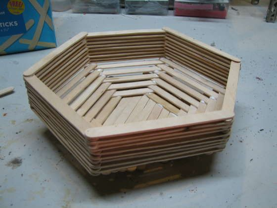 Popsicle Stick Basket. I kinda want to make one of these now. This site has lots of fun ideas and instructions.: Bowl, Popsicles, Stick Basket, Popsicle Stick Crafts, Craft Ideas, Diy, Popsicle Craft, Popsicle Sticks, Craft Stick
