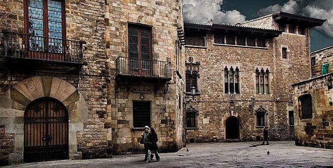 Βαρκελώνη: Μεσόγειος α λα καταλανικά Μία από τις παλαιότερες γειτονιές του ιστορικού κέντρου