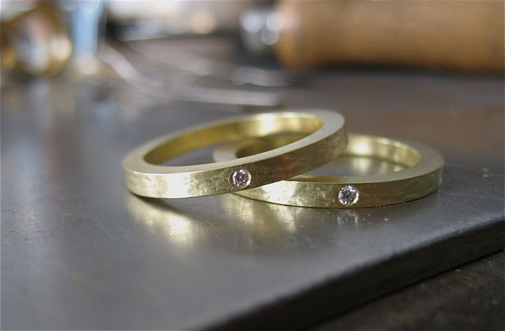 Gold rings with brilliants. By Karina Bach-Lauritsen.