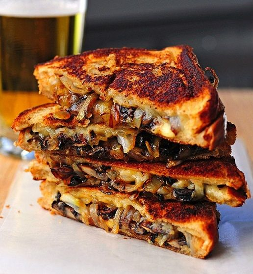 Grilled Cheese sandwich with Gouda, roasted mushrooms and onions