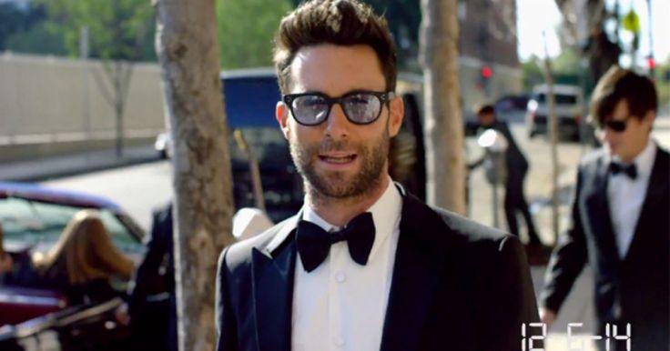 """Si eres fanátio de Maroon 5, o simplemente de Adam Levine, probablemente este sería tu sueño hecho ralidad, pues para la filmacion de su último sencillo """"Sugar"""", decidieron hacer algo diferente y junto con la ayuda del directorDavid Dobkin, quien ya es conocido por hacer cosas como esta, decidieron que lo grabarían en situaciones reales de bodas reales, dejando a la suerte la reacción de cada pareja."""