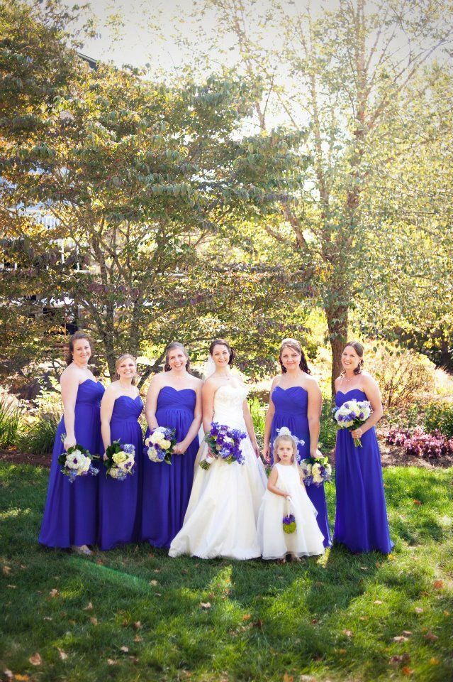 Maid of Honor Duties Decoded! Find out what's expected of you for your bestie's big day! #weddings #weddingtips #MaidofHonor #Bridesmaids