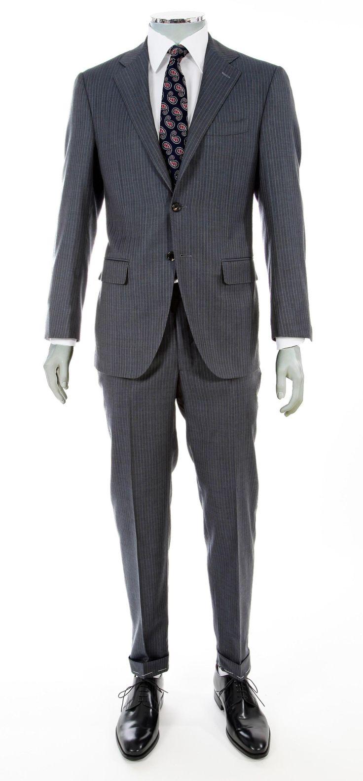 Abito formale due pezzi uomo su misura intelato, tre bottoni, tessuto Dormeuil 100% lana, color blu Avio con riga ghiaccio. #verisarti