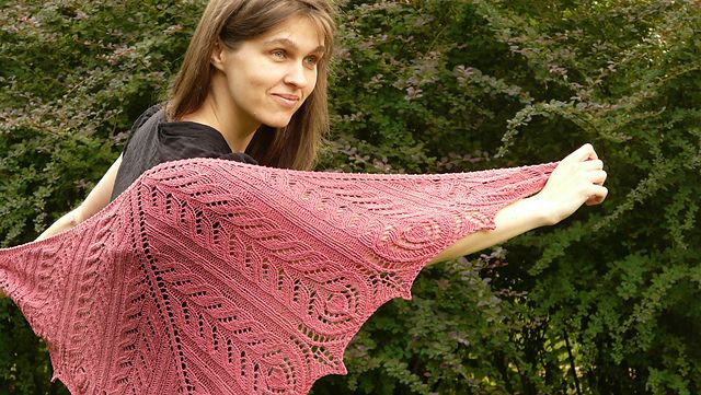 Ravelry: Late Hours Shawl pattern by Kristina Vilimaite