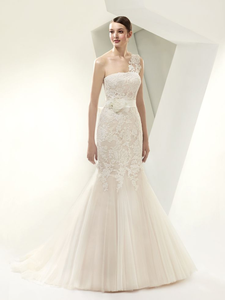 Enzoani Beautiful - BT14-14 with lace strap