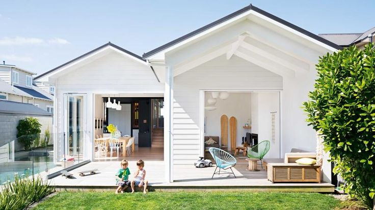 Outdoor Entertaining Space White Weatherboard Home Black