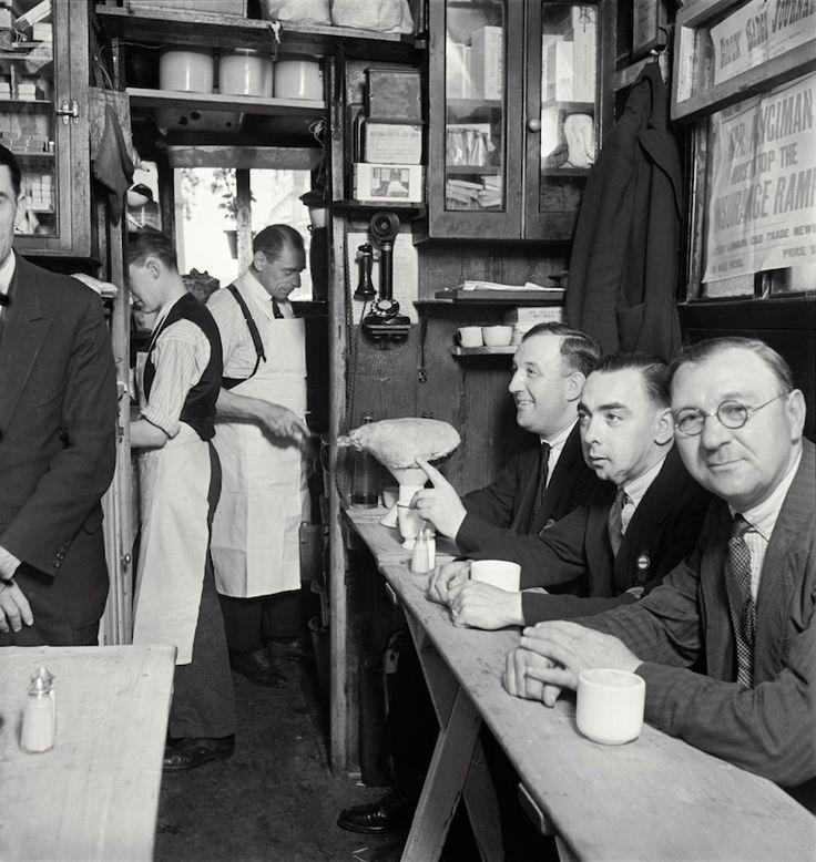 Taxicab Shelter, Piccadilly, London, 1934. By E.O. Hoppé