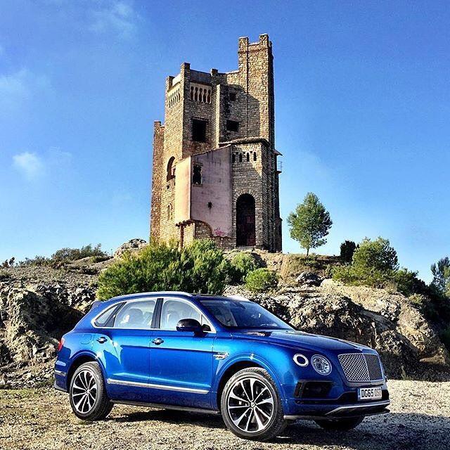 1000+ Ideas About Bentley Suv On Pinterest