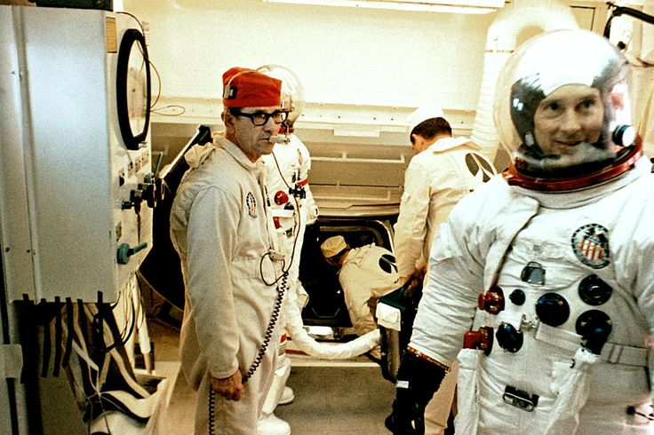 1000+ images about Astronaut on Pinterest   Space suits ...