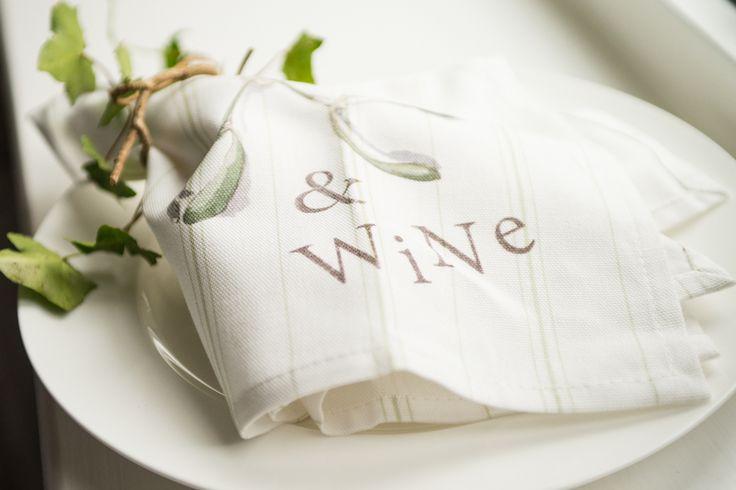 Nicole Phillips England Mistletoe & Wine napkin