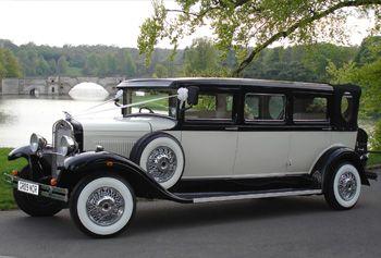 Die Bramwith Limousine ist ein Nachbau eines Oldtimers aus dem Jahr 1931 … – Kit Atwater