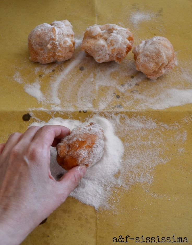 acqua e farina-sississima: Cucina del Lazio: le pizzette con lo zucchero