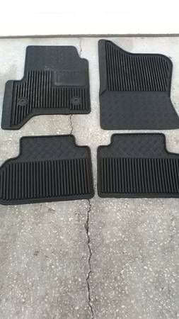 OEM Truck floor mats Chevy/Gmc – auto parts – by owner