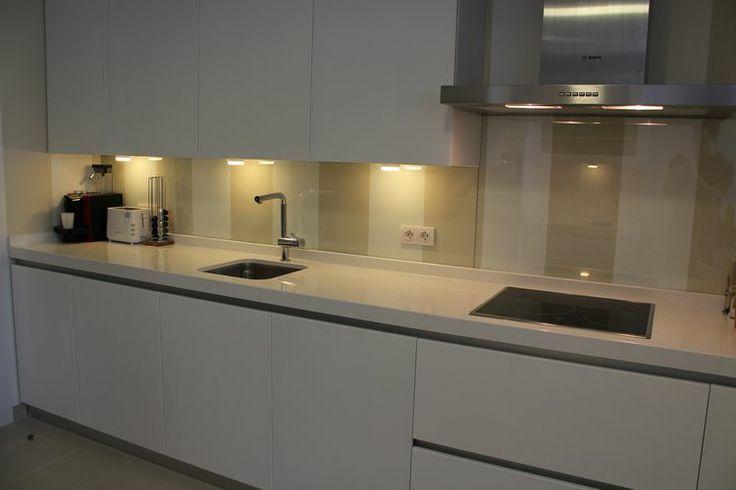Dise o de cocinas dise o de cocinas en pinto lacada for Diseno de cocinas integrales en linea