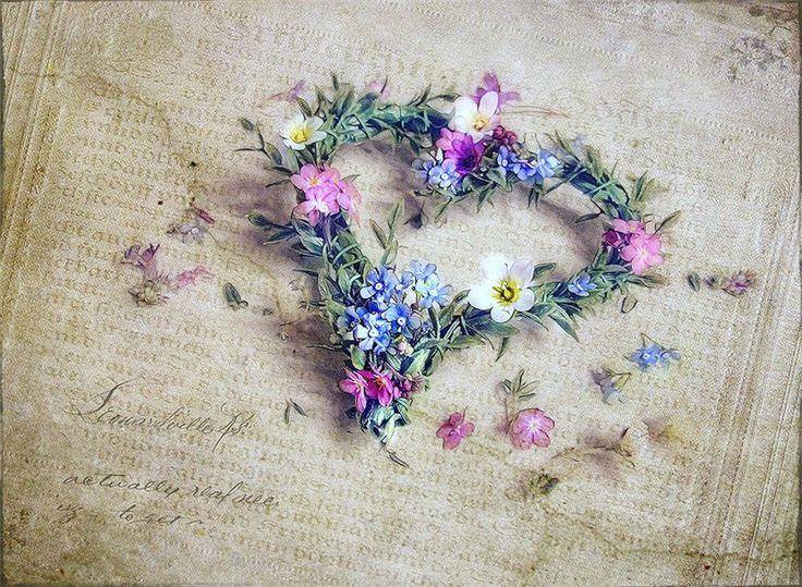 Цветочно-винтажное от Lizzy Pe Ты не ушла...ты пахнешь сентябрём... ...и сон не сон... и явь ещё не явь, но бабочки уже раскрыли крылья, трепещут в животе и суть моя…