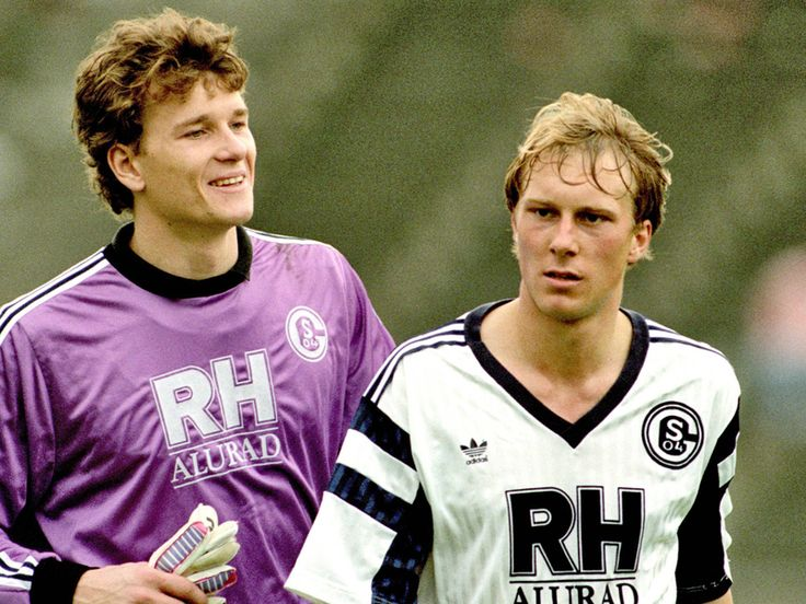 Jens Lehmann (FC Schalke 04, 1988–1998, 274 apps, 2 goals) and Jürgen Luginger (FC Schalke 04, 1988–1994, 191 apps, 9 goals).