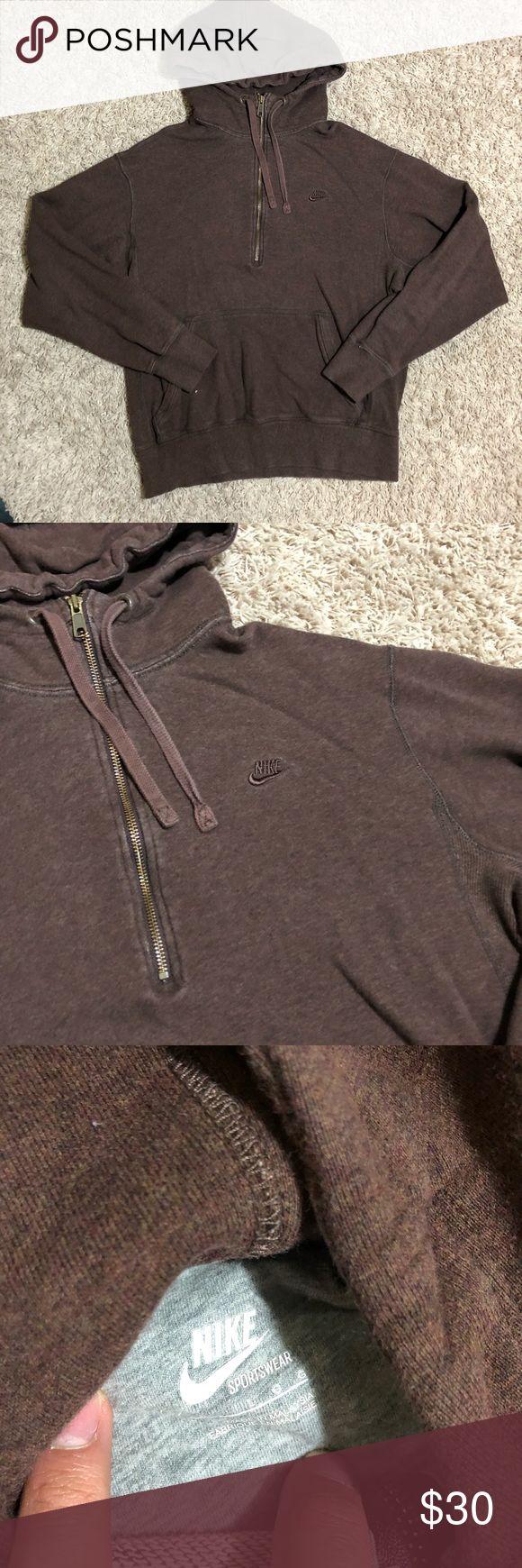Nike zip up hoodie Large Men's normal wear condition Nike zip up hoodie in brown. Size large Nike Shirts Sweatshirts & Hoodies