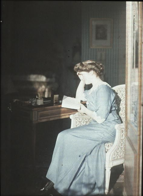 Autochrome: Anonymous. Ninette rooms. 1914. Musée d'Orsay.