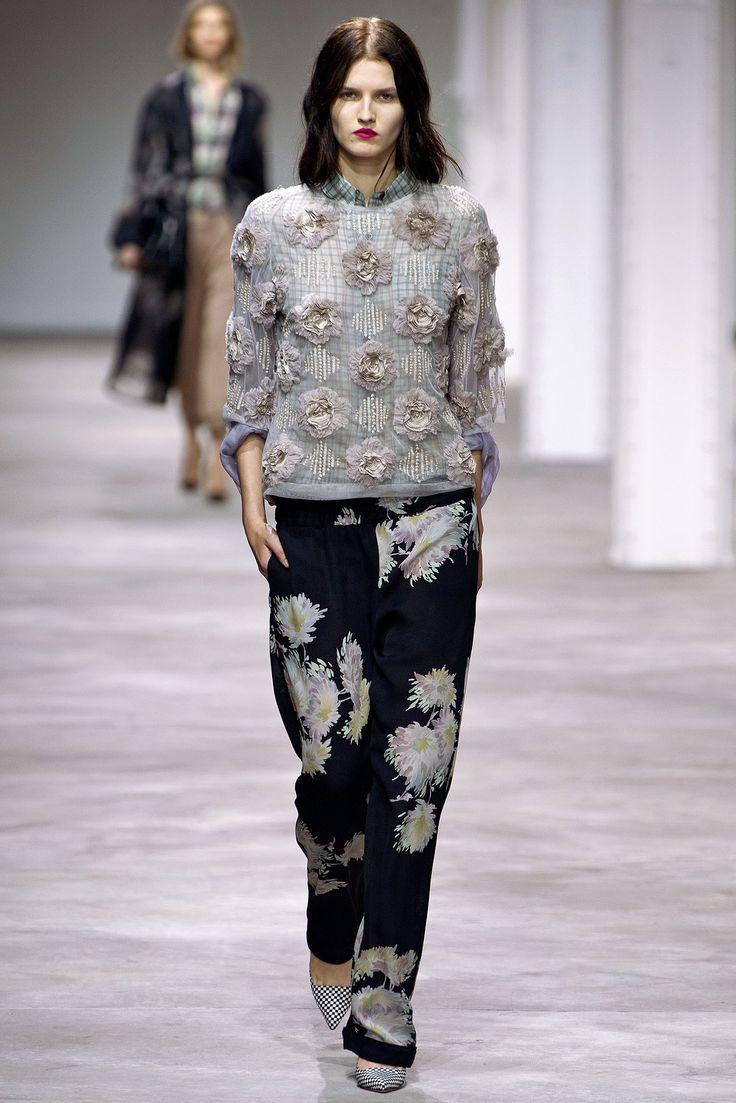 Dries Van Noten Spring 2013 Ready-to-Wear Fashion Show - Katlin Aas (IMG)