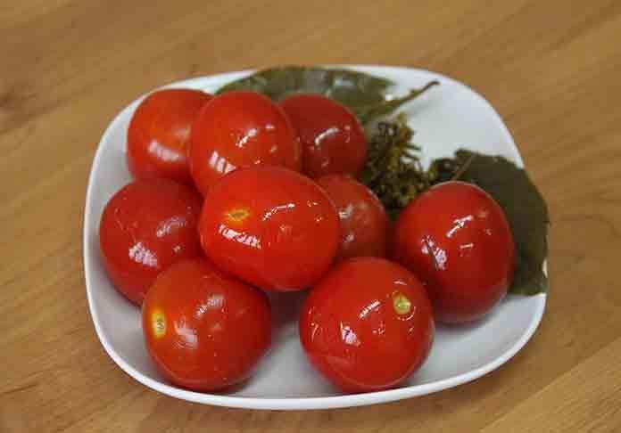Засолка помидоров в бочке холодным способом   Вкусно готовим дома