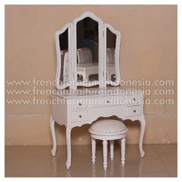 Buy Franchoise Dressing Table from Classic Furniture. We are reproduction Furniture manufacture with French style good quality and classic furniture style. This Dresser Mirror is made from mahogany woods with high quality and good treatment process. #HomeFurniture #FurnitureProject #ClassicFurniture #FrenchFurniture #WhiteFurniture