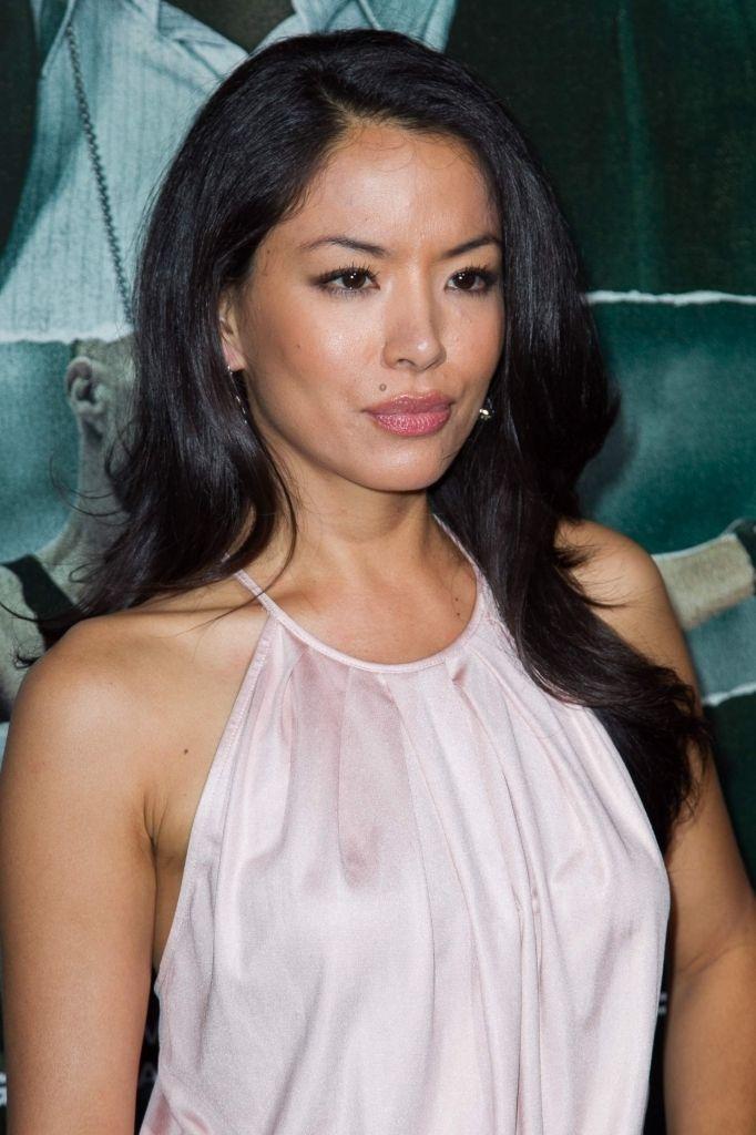 Stephanie Jacobsen: egzotyczna, seksowna i świetnie