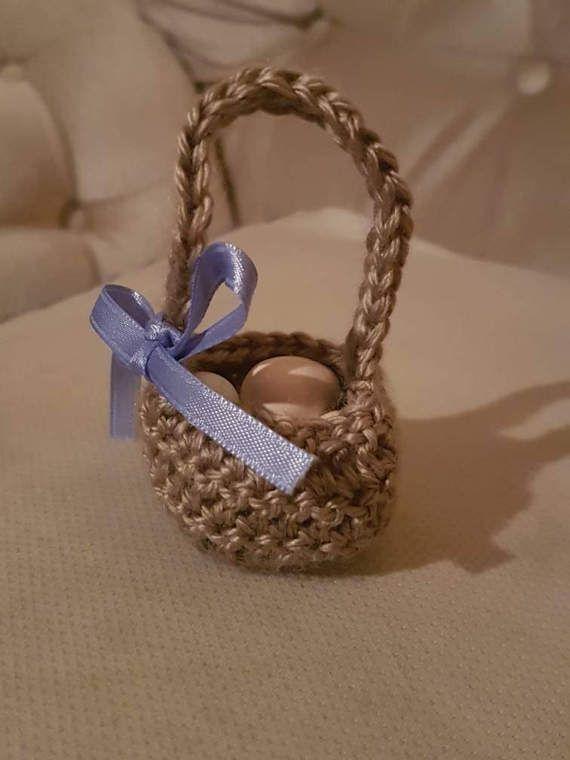 Crochet wedding favor baskets