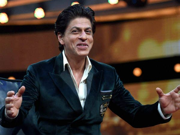 HOT SCOOP! Shahrukh Khan's Dwarf Role Is Inspired By Game Of Thrones' Tyrion Lannister?Shahrukh Khan's last film Jab Harry Met Sejal may have failed to work its charm at the box office. But that hasn't deterred the superstar from going on an experimental spree. Now, all eyes are set on his upcoming Aanand L. Rai film which is said to be one of his most challenging roles of his career. The movie has Shahrukh playing a dwarf. Meanwhile, we have got for you some hottest scoop on the same…