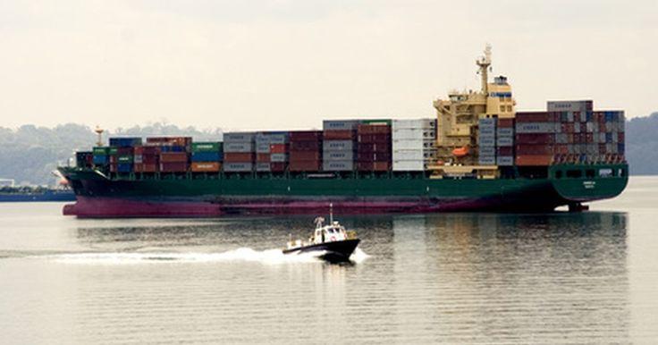 Cómo calcular el consumo de combustible en los transportes marítimos. La constante volatilidad de los precios de los combustibles en todo el mundo afecta a los costos del transporte y al costo final de los bienes y materiales. Esto hace de los costes de envío, incluso en flete marítimo, un factor en la fabricación, operaciones al por mayor y al por menor. Los barcos contenedores modernos proporcionan una forma ...