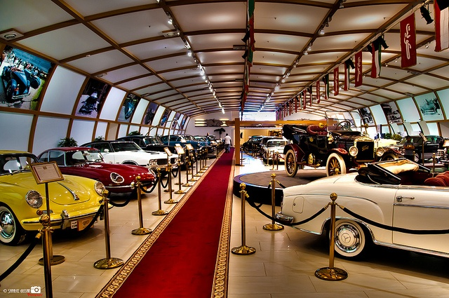 Historical Vintage Classic Cars Museum