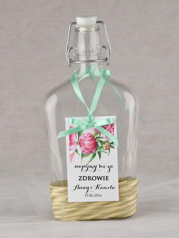 Zawieszki rustykalne  #decorisus #decoris #peony #peonywedding #peonie #roz #pinkwedding #weddingflowers #winietki #tableplan #bridetobe #weddinginvitations #zaproszenia #zaproszeniaslubne #zaproszenianaslub #slubnezaproszenia #peonie #peonia #motyw #przewodni #zawieszki #etykiety #butelka #alkohol #drink