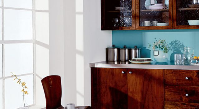 30 Inspiring Paint Colors for Your Kitchen: Kitchen Paint Colors: Splashing the Backsplash