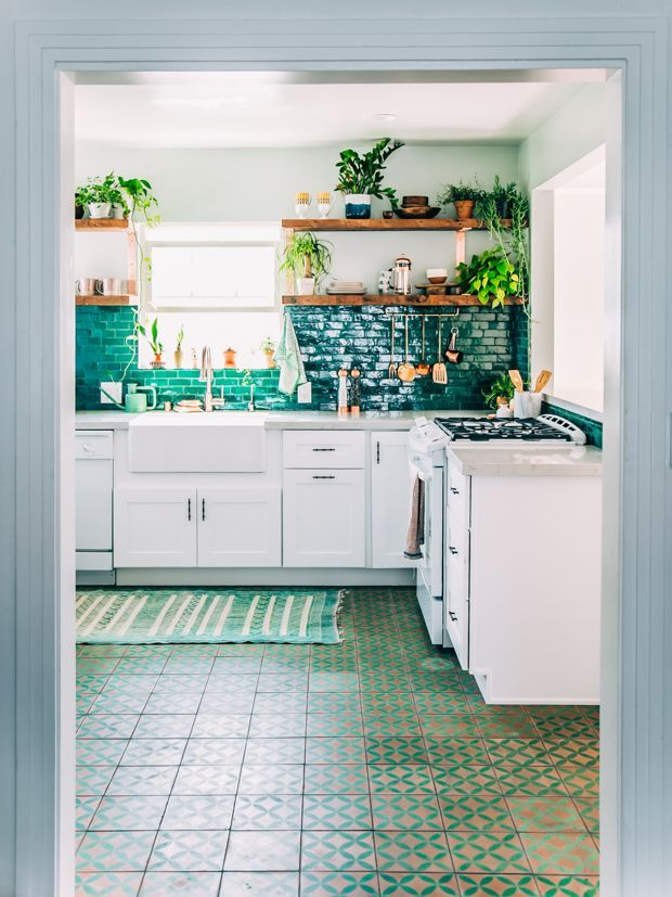 DREAM Jungalow kitchen - replace the emerald green with a caribbean blue and we be bangin on all cylinders
