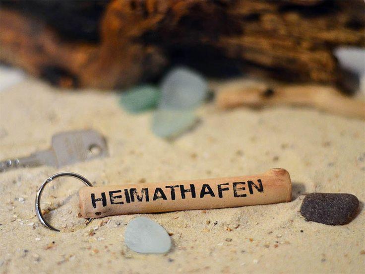 Schlüsselanhänger - Treibholz Schlüsselanhänger // Heimathafen - ein Designerstück von JadeGrafik bei DaWanda