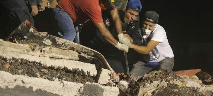 Φρίντα Σοφία: Η θαμμένη ζωντανή μαθήτρια στα ερείπια του σχολείου [εικόνες]