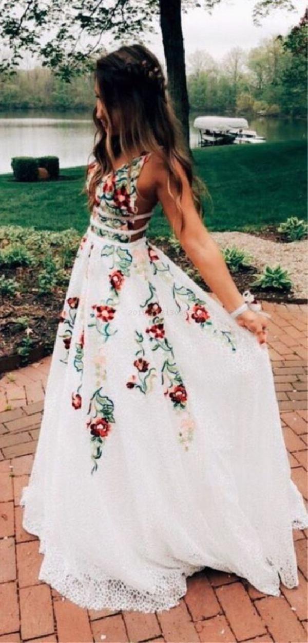 A-line tiefem V-Ausschnitt rückenfrei Elfenbein Spitze Abendkleid mit Applikationen Elfenbein Prom dres …   – Prom dresses