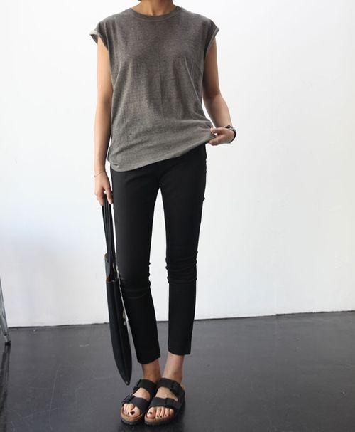 birks, skinny jeans, grey loose tee
