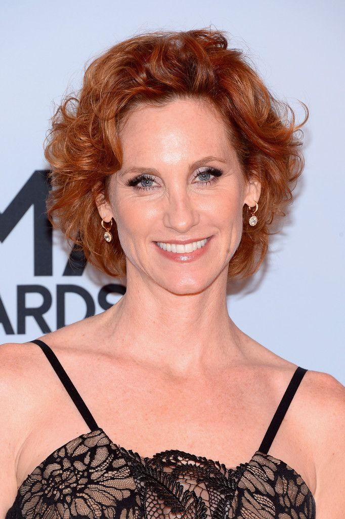Judith Hoag Short Curls - Judith Hoag sported a classic short curly 'do at the CMA Awards.