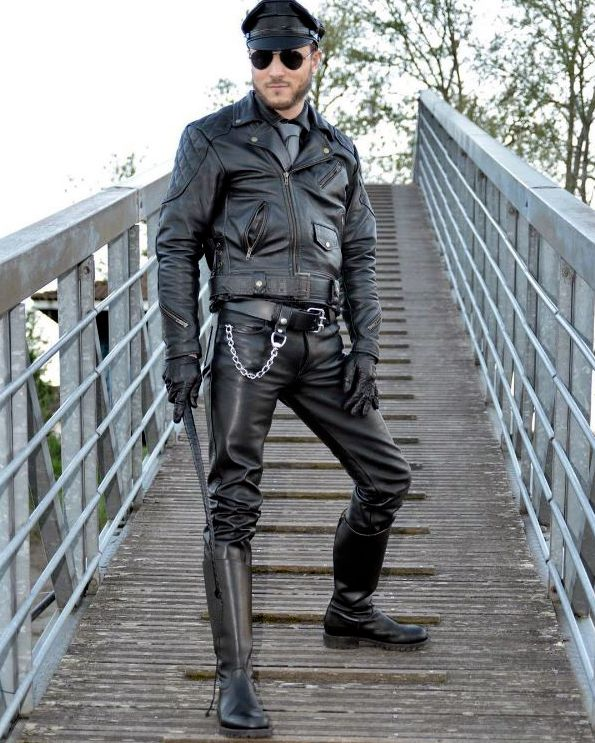 Random Leather gLoves fetish : Photo