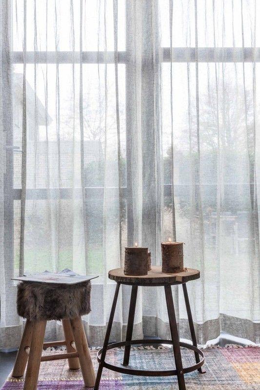vitrage of inbetween gordijnen - Echtgordijn | gordijn of vouwgordijn op maat kopen online Hier afgebeeld: cirrus grey 100% belgisch linnen #linnen #gordijn #grijs #inbetween #echtgordijn