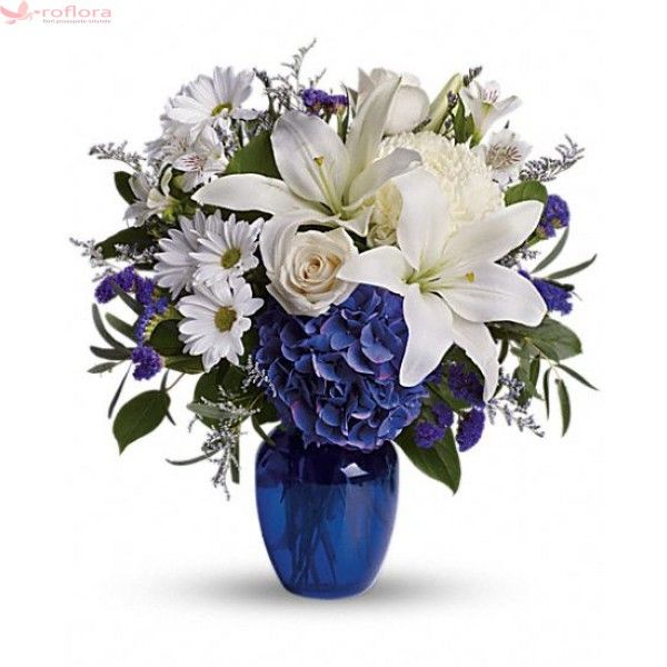 Blue beauty - Buchet din trandafiri, crini, hortensii